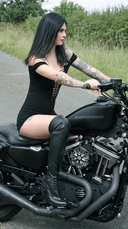 Girls on harley motorcycles